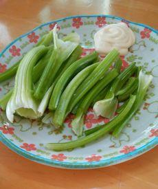 大好きなセロリを育てよう\(^o^)/ 少し太くなったものを食べる(*^^)v