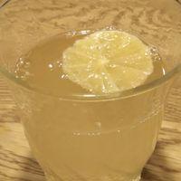 先日作ったはちみつレモンと炭酸を使っ...