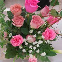 薔薇が入るアレンジメントは一段と美し...