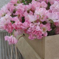 ミニバラ ほほえみの花束💐 切り花を飾っ...