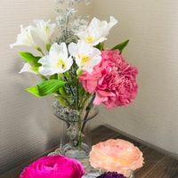 年末に購入したお花と、お正月のアレン...