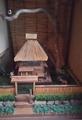 茅葺き屋根の家&桜