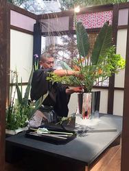 日本の伝統をアピールした、池坊華道家によるいけばなのデモンストレーション(写真提供:2016アンタルヤ国際園芸博覧会政府出展屋内展示事務局)