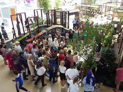 日本の展示コーナーには「日本の花文化」がディスプレイされ、来場者の注目を集めた(写真提供:2016アンタルヤ国際園芸博覧会政府出展屋内展示事務局)