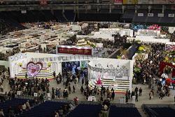 2017年開催時の会場風景。13万人を超える来場者が、ランの美しさを堪能した。(写真提供:世界らん展事務局)