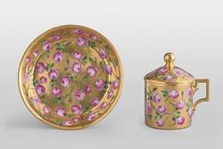 花が描かれた磁器作品/ウィーン窯・帝国磁器製作所ゾルゲンタール時代、フェルディナント・エーベンベルガー《金地薔薇文カップと受皿》1798年頃、硬質磁器