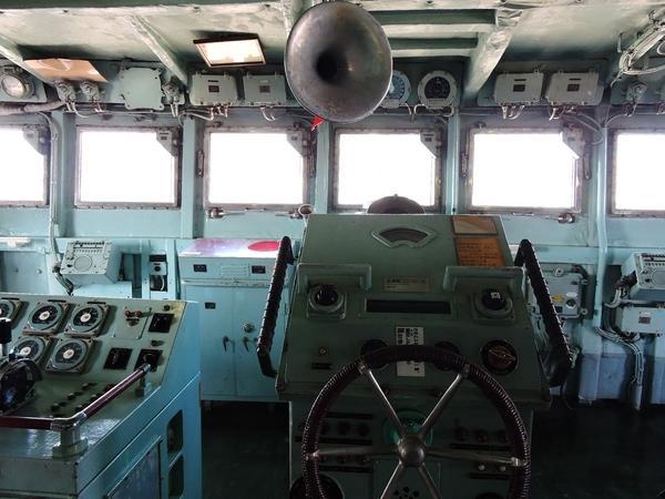 南極観測船ふじの船内
