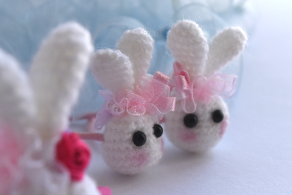 ミニミニうさぎヘアゴム 耳飾りデザイン製作もオリジナルなハンドメイドです♪