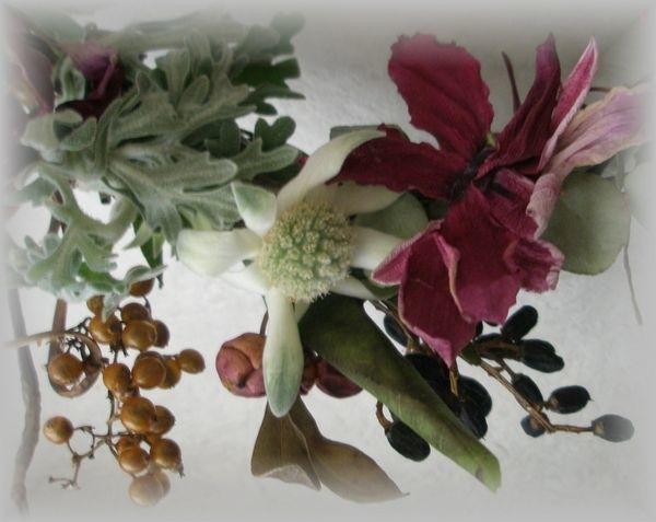 綺麗に乾燥した シクラメンの花ビラの 開き方がすてきかも。 フランネルフラワーも 可