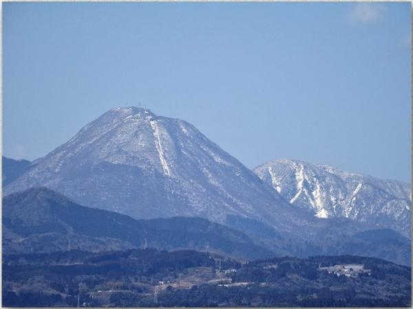 📷鶴見岳(別府市に属し)は地元では鶴見山と言っている...別府ロープウエーで、山頂に行