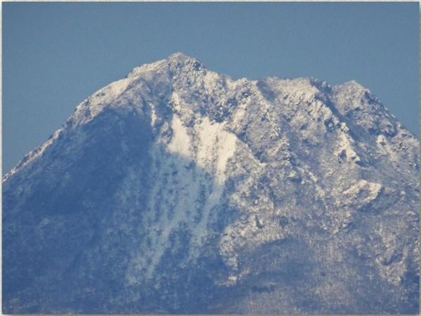 📷由布岳の頂上を遠望する眺め...