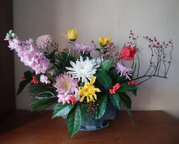「お正月の花・再利用して…」📷20180113 昨年末(12/28)購入の花を全て使用して、一ま