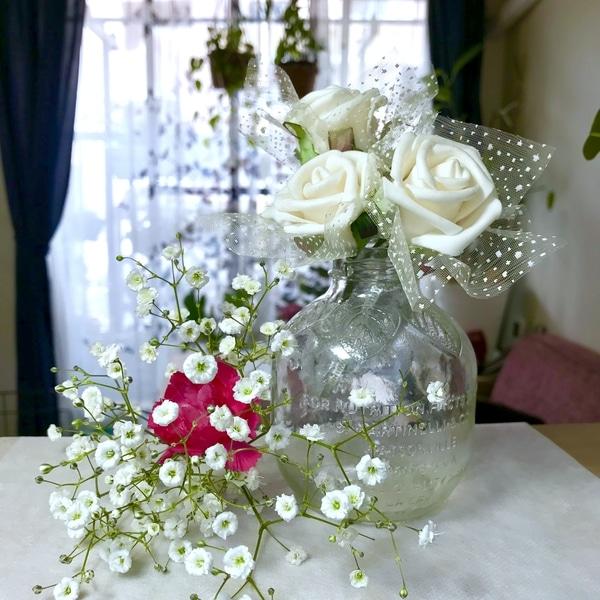 カスミ草🌸造花の花飾って見ました💕