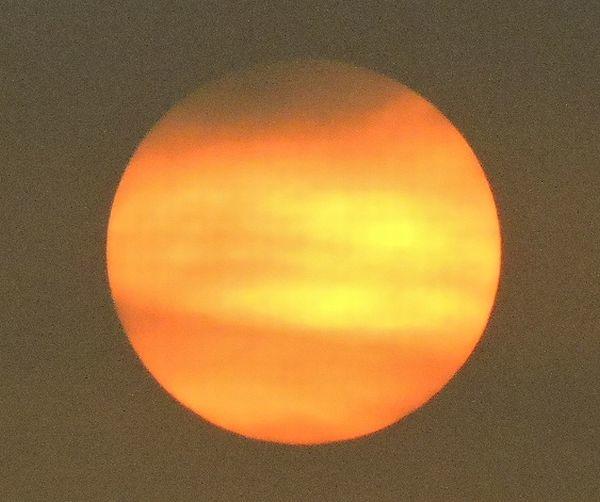 雲に隠れていく朝日  2018.08.11 早朝・遠州灘海岸